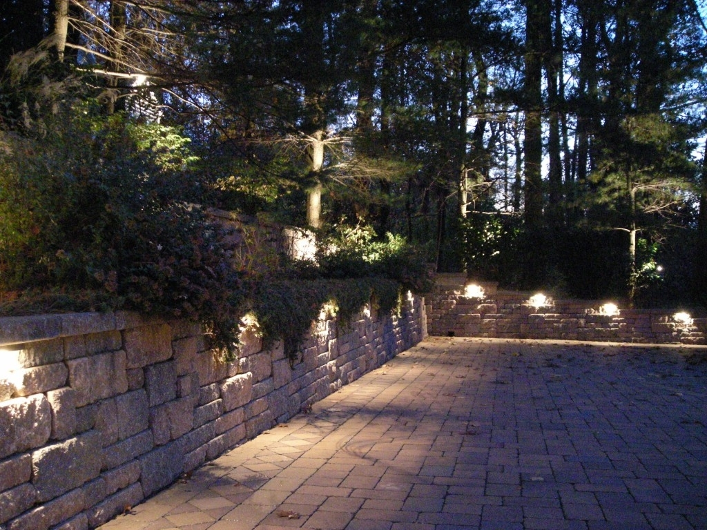 13 Awesome Outdoor Retaining Wall Lighting Design Inspirational : Qatada In Best And Newest Outdoor Retaining Wall Lighting (Gallery 4 of 20)