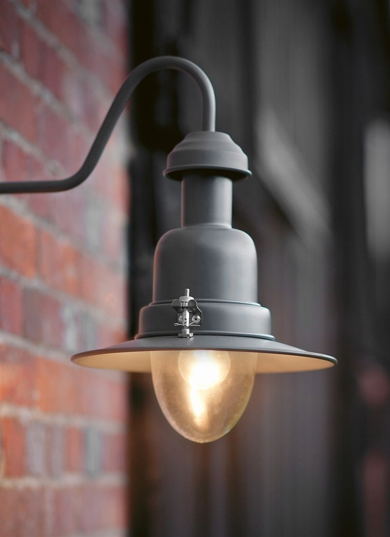2019 16 Lovely Modern Outdoor Wall Lighting (View 2 of 20)