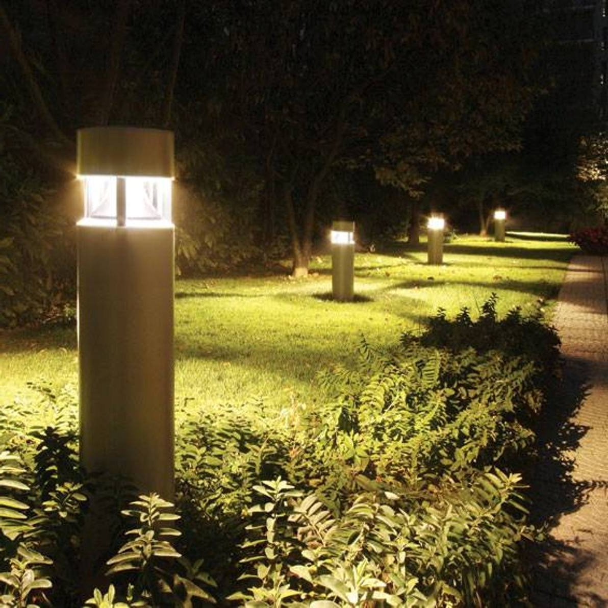 2019 Modern Led Solar Garden Lighting Fixture With Modern Outdoor Post Lights – Free Reference For Home And Interior (View 3 of 20)