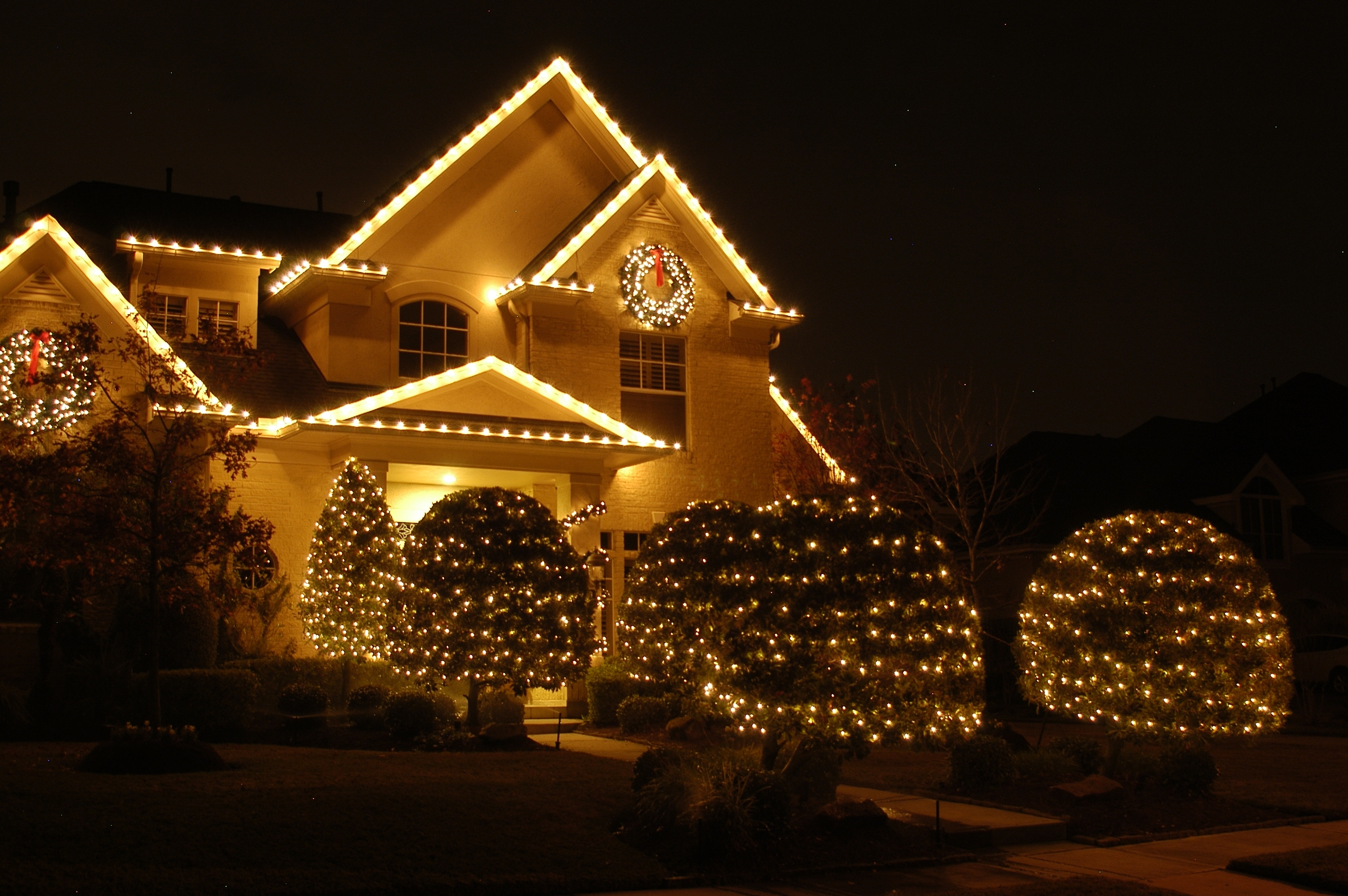 Best And Newest Hanging Outdoor Holiday Lights In Outdoor Holiday Lighting Timer – Coryc (View 16 of 20)