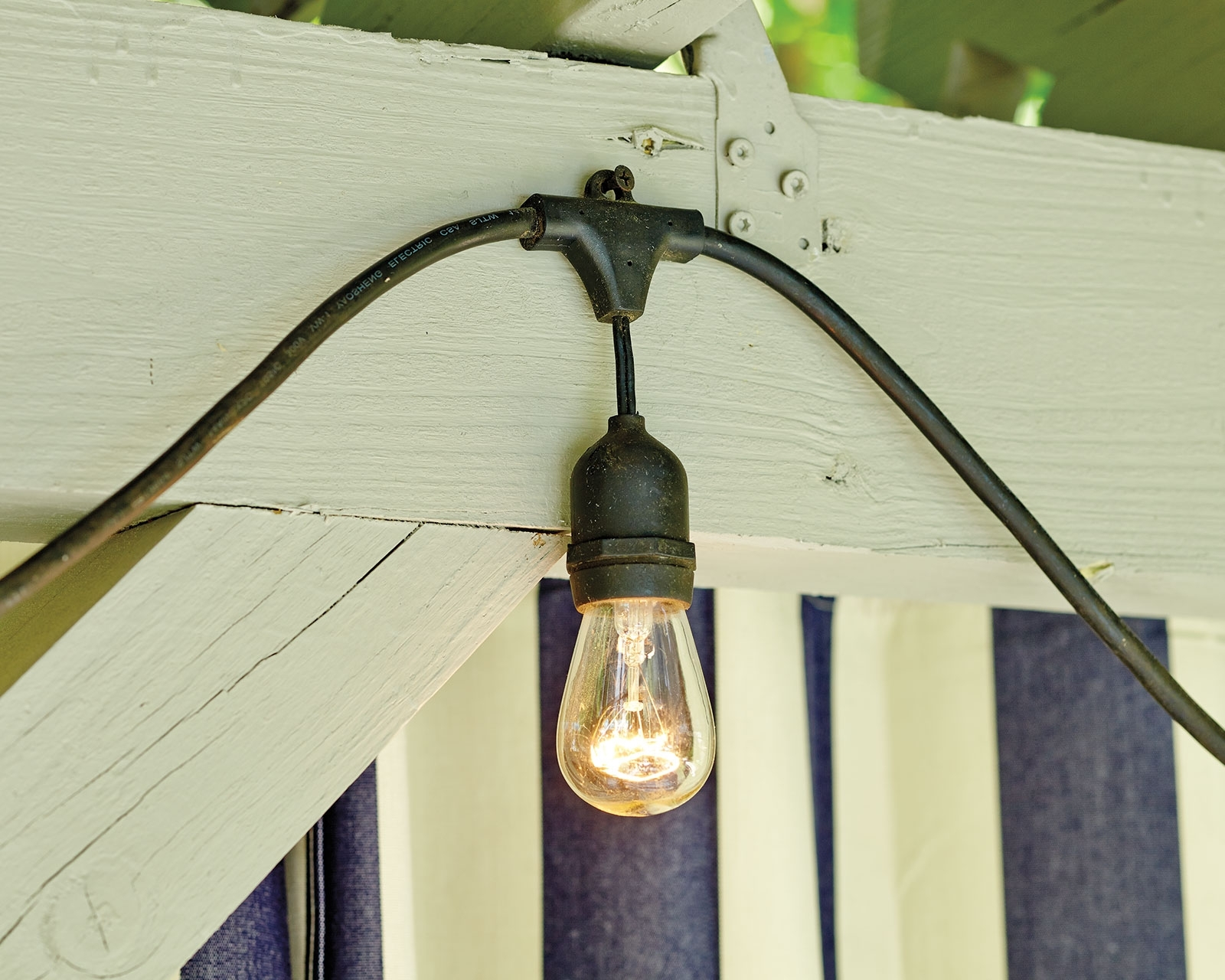 Best And Newest Hanging Outdoor Lights With Wire With Regard To How To Hang String Lights – How To Decorate (Gallery 7 of 20)