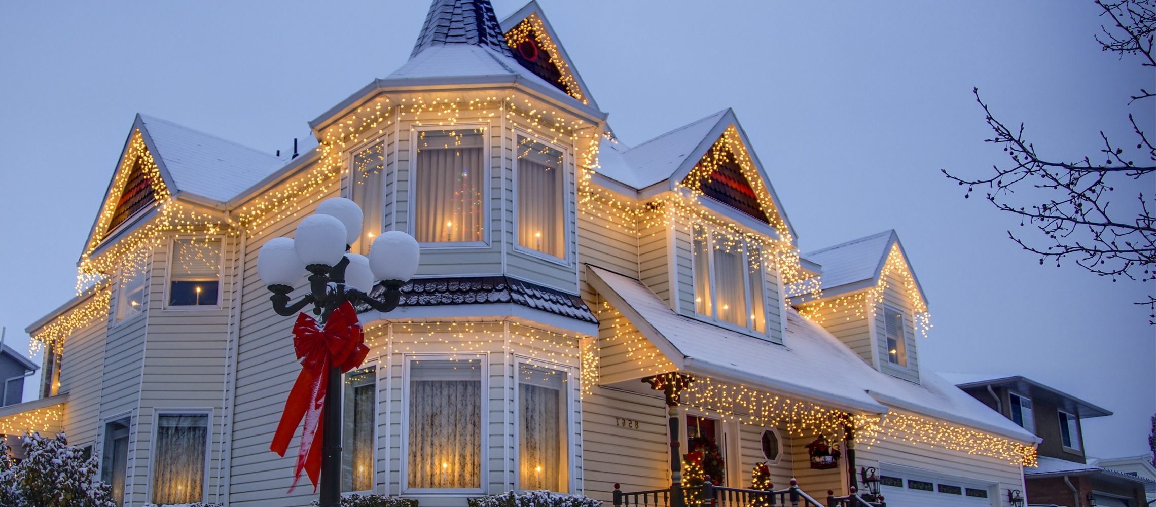 Christmas Lights Ideas For The Roof With Newest Outdoor Hanging Lights For Christmas (View 7 of 20)