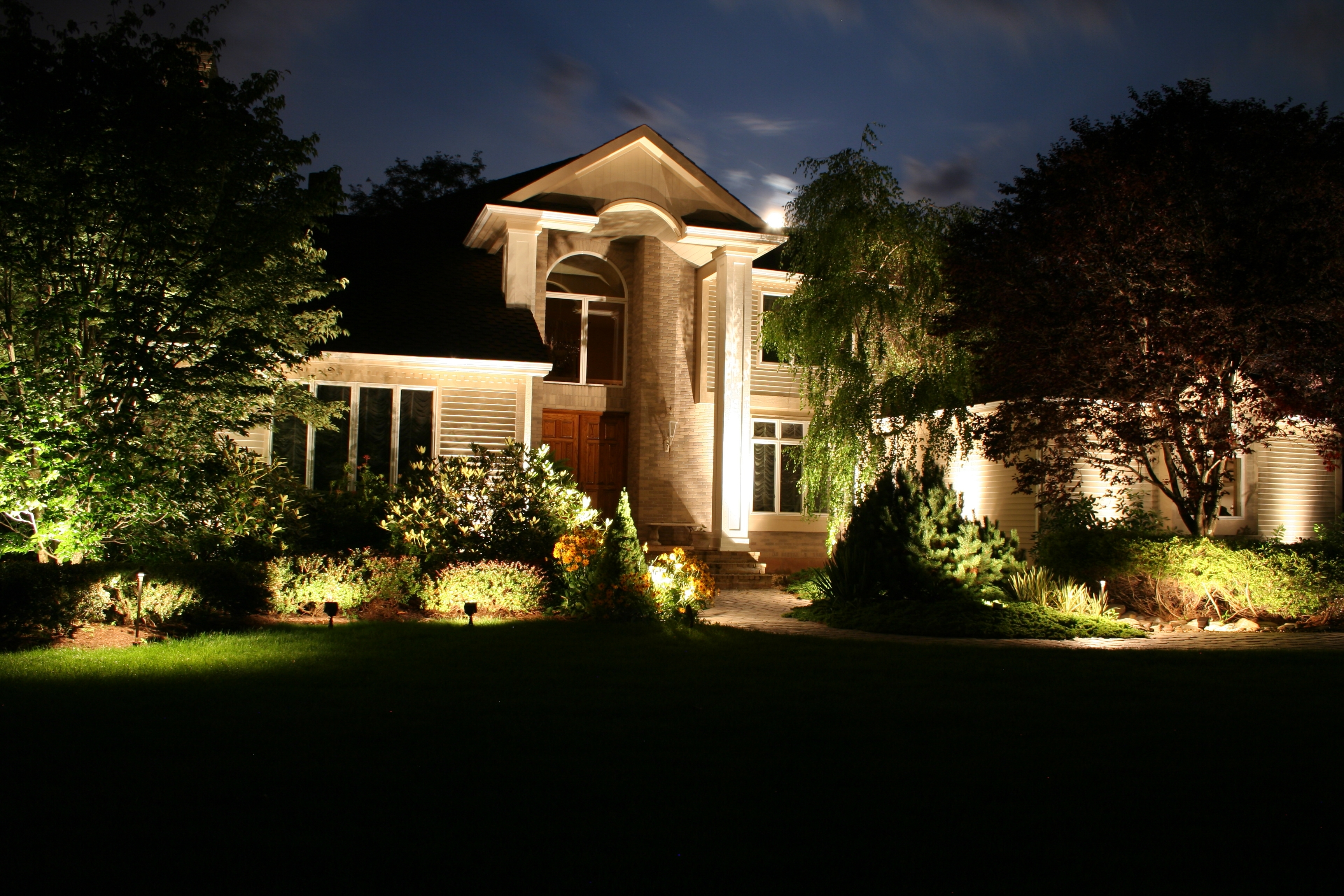 Contemporary Solar Garden Lighting Fixtures Pertaining To Most Up To Date Modern Solar Landscape Lighting, Solar Energy For Outdoor Lighting (View 8 of 20)