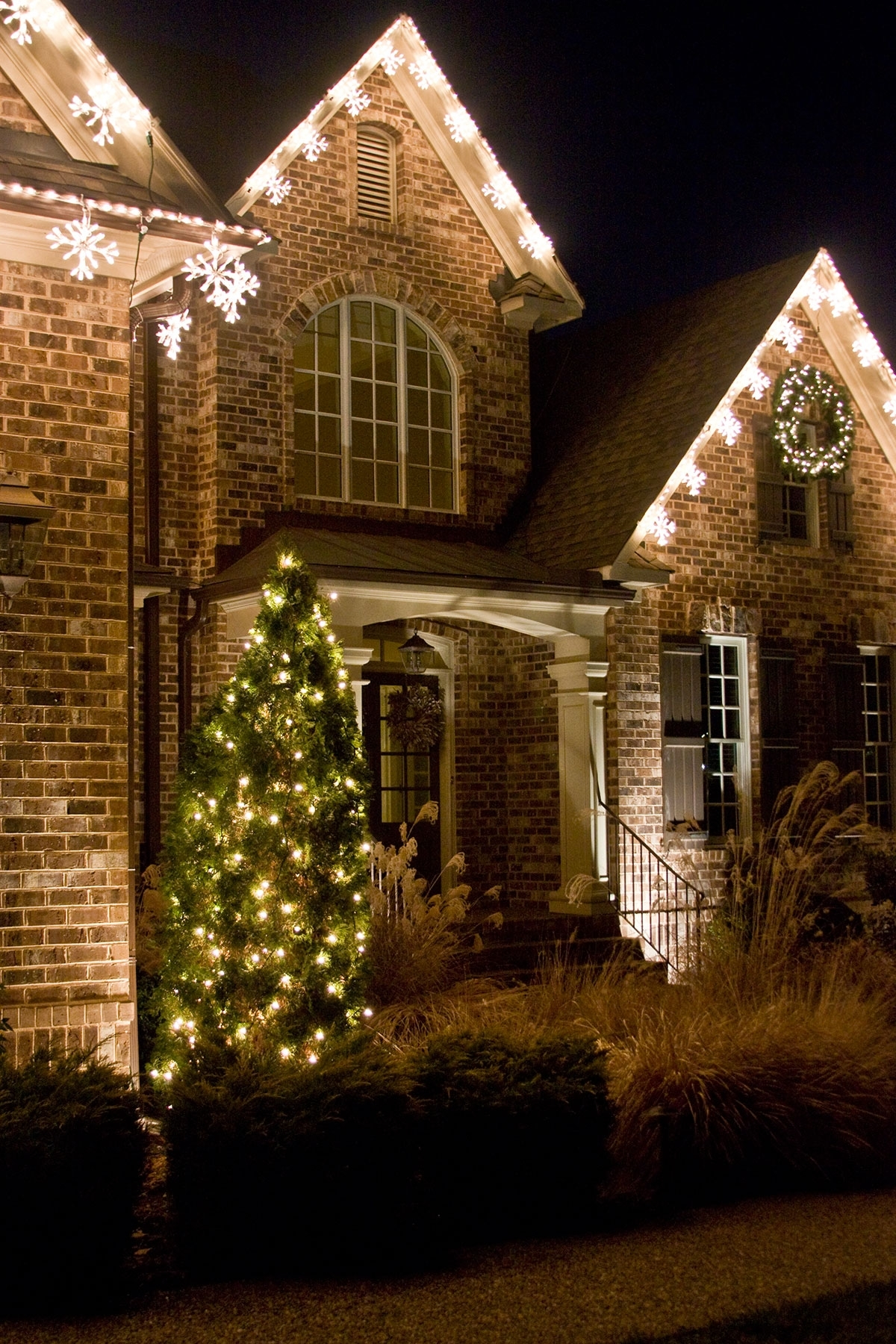 Current Diy : Outdoor Lighting Perspectives Brighten Your Trees And Shrubs Within Ireland Outdoor Lighting (View 9 of 20)