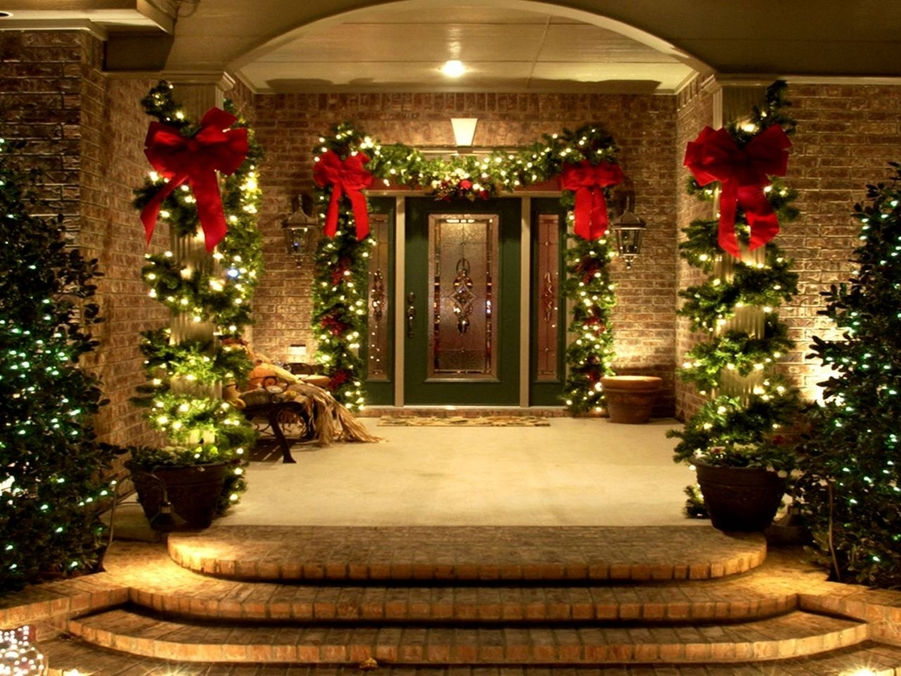 Decorations : Outstanding Front Porch Idea With Christmas Lights And Inside Newest Outdoor Wall Xmas Lights (View 13 of 20)