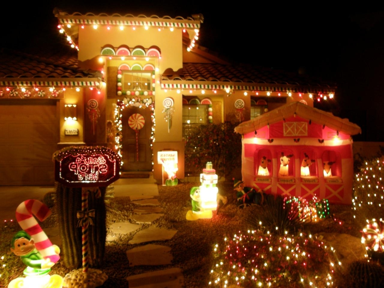 Diy With Regard To Well Known Outdoor Wall Xmas Lights (Gallery 20 of 20)