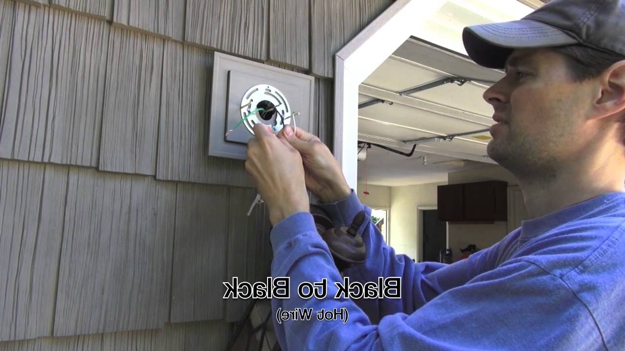 Featured Photo of Hanging Outdoor Lights On Vinyl Siding