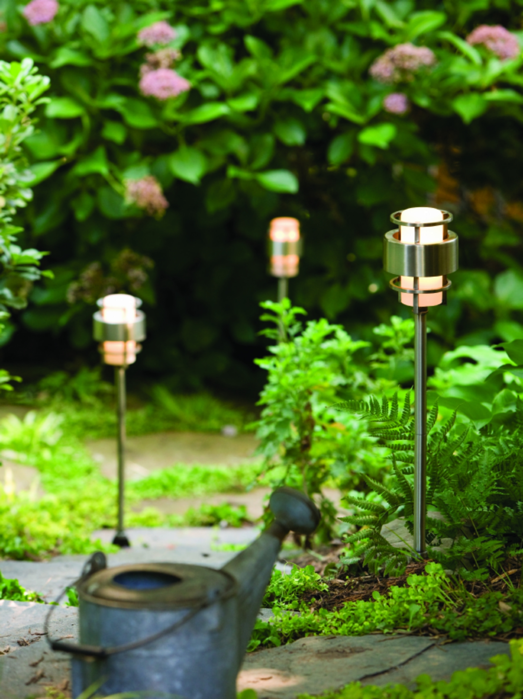 Fashionable Hinkley Lighting For Home Garden For Stainless Steel Saturn > Path (View 18 of 20)