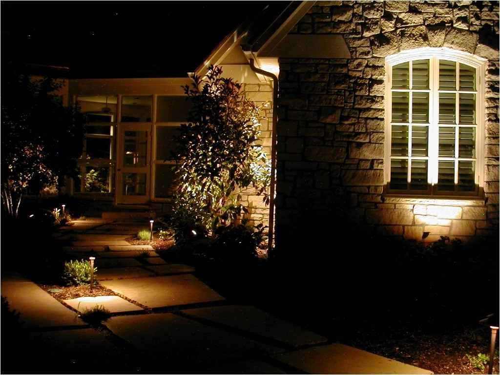 Fashionable Low Voltage Outdoor Lighting Kits New Lighting Low Voltage Outdoor Throughout Contemporary Hampton Bay Outdoor Lighting (View 14 of 20)