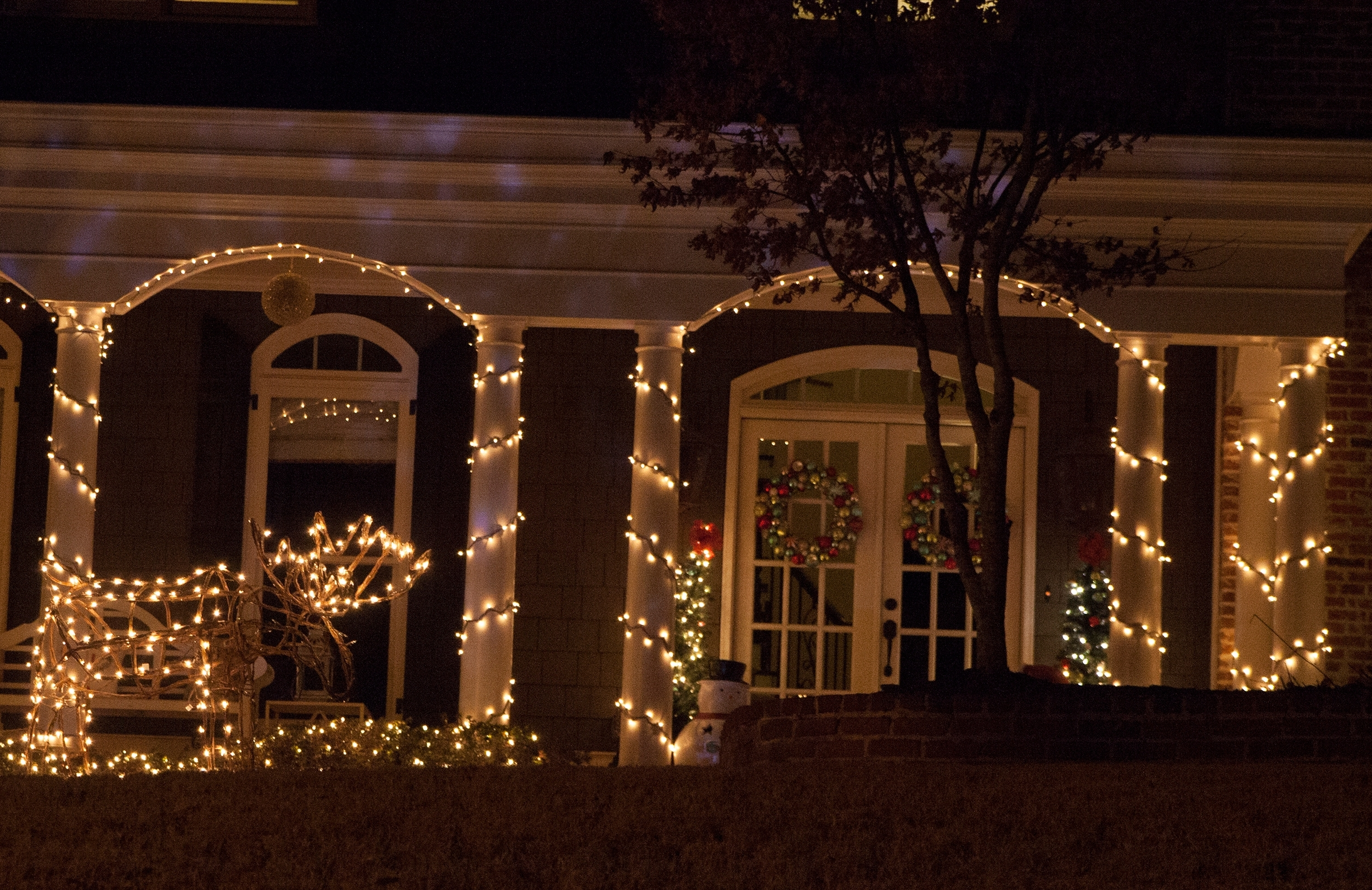 Favorite Christmas Porch Decorations Pertaining To Outdoor Hanging Grape Lights (View 11 of 20)