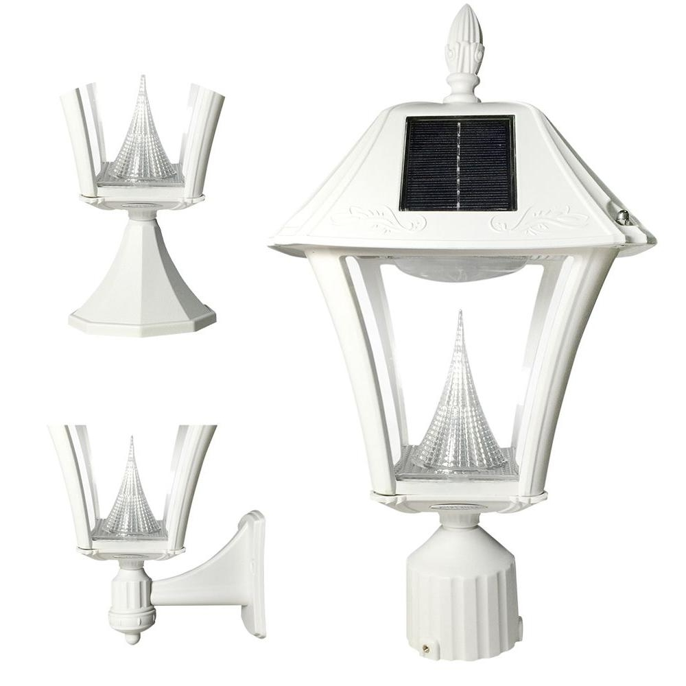 Gama Sonic Baytown Ii Outdoor White Resin Solar Post/wall Light With Throughout Most Up To Date Vinyl Outdoor Wall Lighting (View 18 of 20)