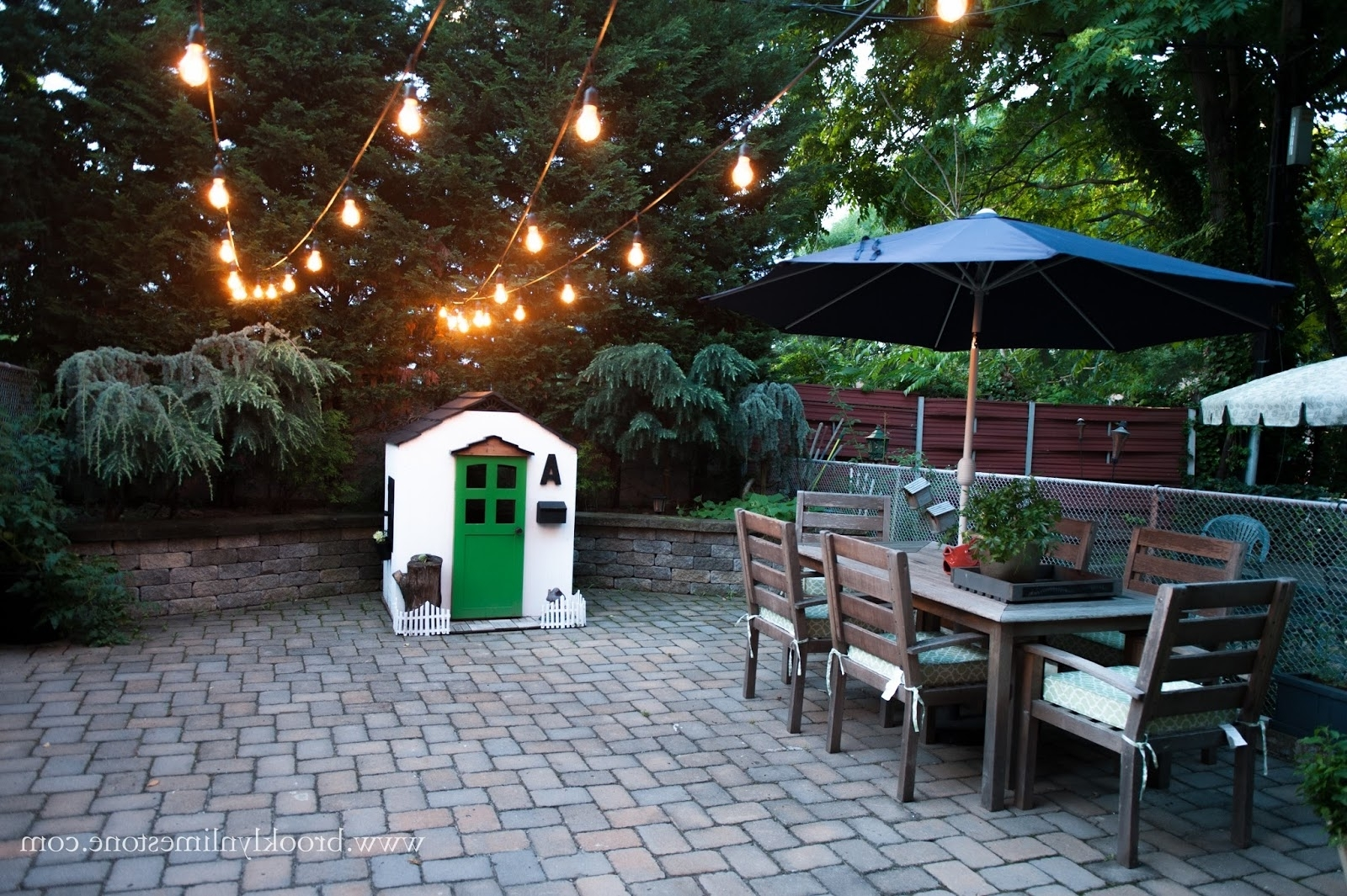 Garden And Outdoor String Lights Within Most Recently Released Outdoor String Lights Hung (View 9 of 20)