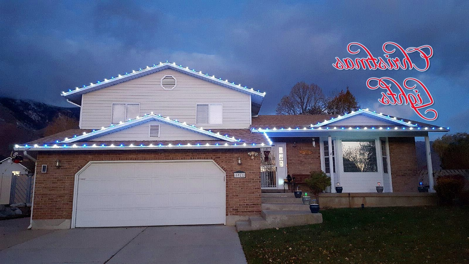 Hanging Christmas Lights Outside On Roof – Landscapers – Youtube In 2019 Hanging Outdoor Christmas Lights In Roof (View 8 of 20)
