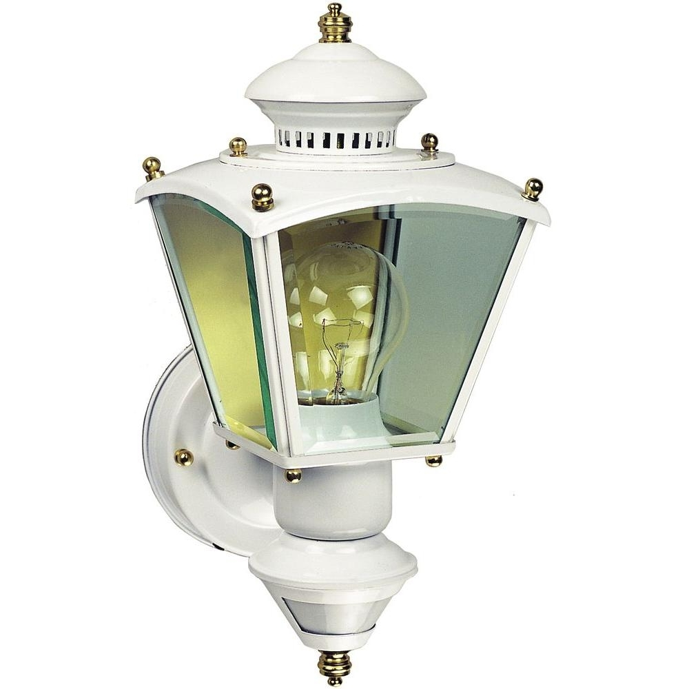 Heath Zenith Outdoor Wall Lighting With Most Up To Date Heath Zenith 150° White Charleston Coach Lantern With Clear Glass Hz (View 12 of 20)