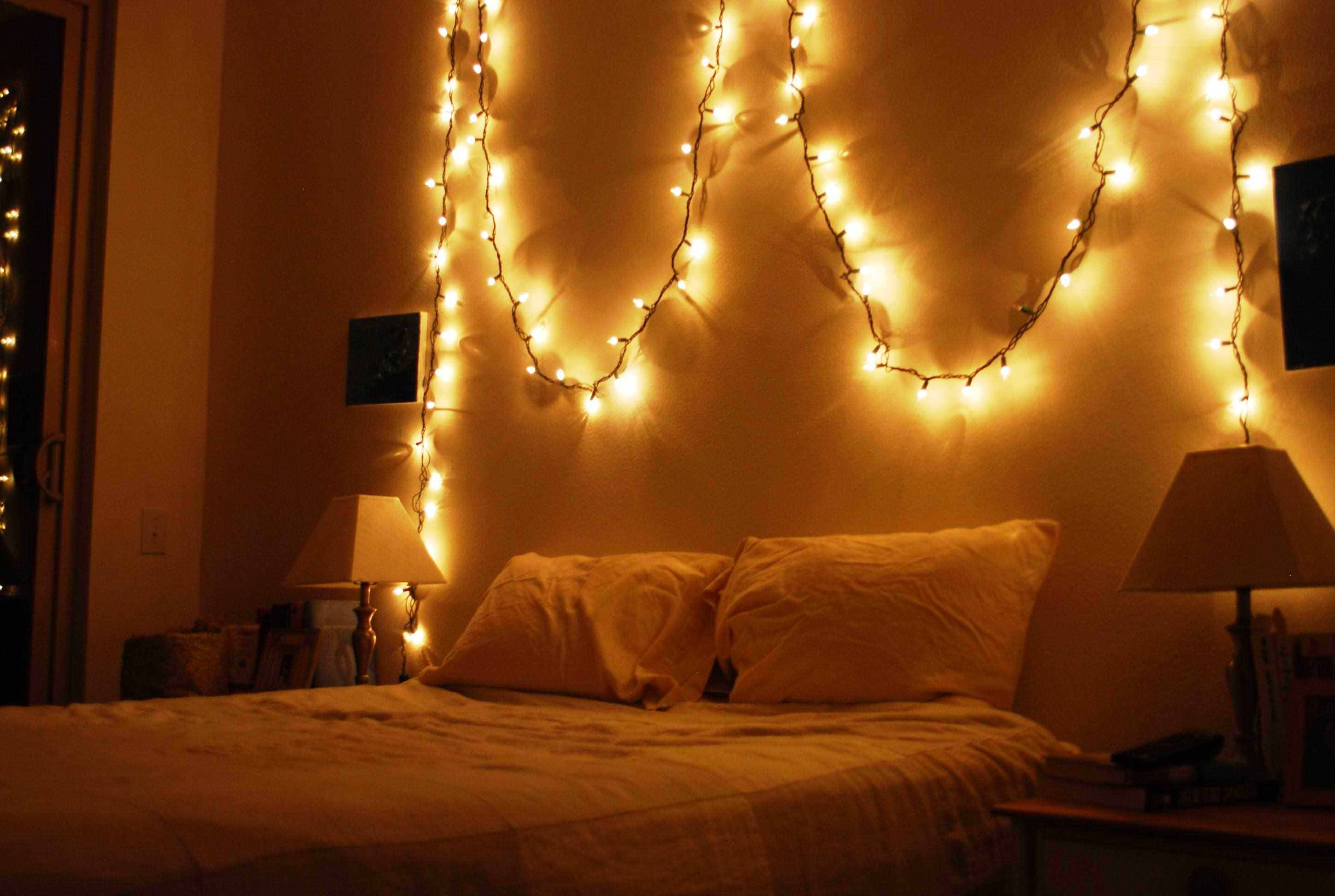 Latest How To Hang Christmas Lights In Bedroom Without Nails Image Of For Hanging Outdoor Christmas Lights Without Nails (Gallery 15 of 20)