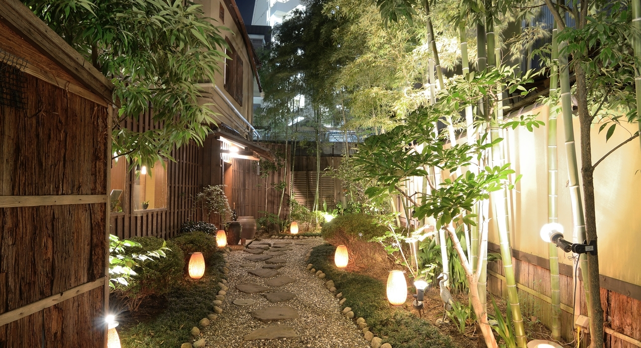 Low Voltage Outdoor Lighting Inside Trendy Low Voltage Landscape Lights Plants : Ultimate Guide To Low Voltage (View 10 of 20)