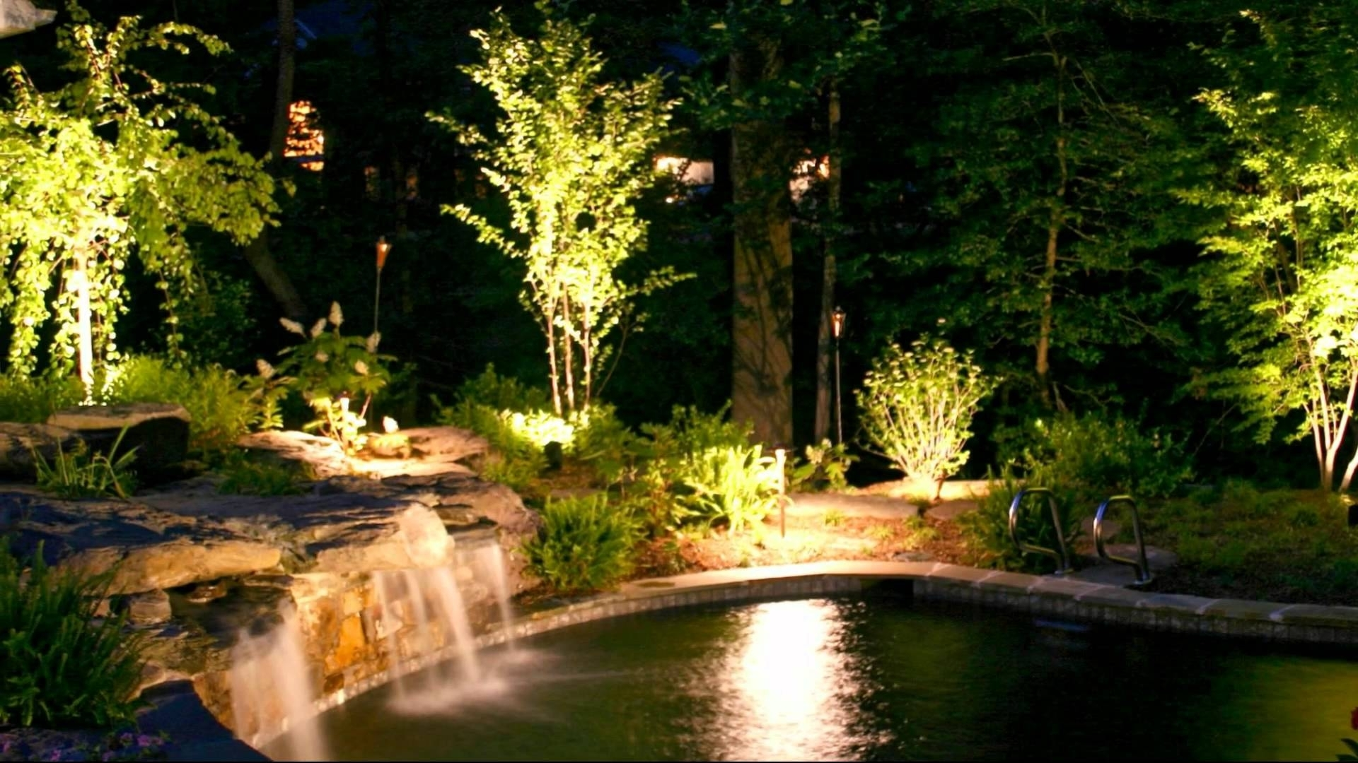 Modern Small Outdoor Solar Lights With Regard To Popular Unique Outdoor Lighting Ideas (View 13 of 20)