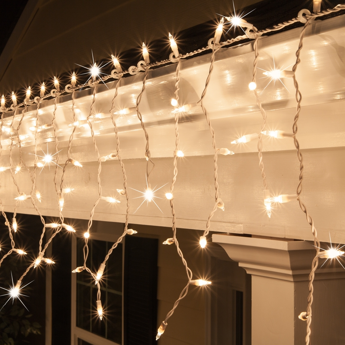 Most Current Hanging Outdoor Lights On Wire Regarding Christmas Icicle Light – 150 Clear Twinkle Icicle Lights – White Wire (View 14 of 20)
