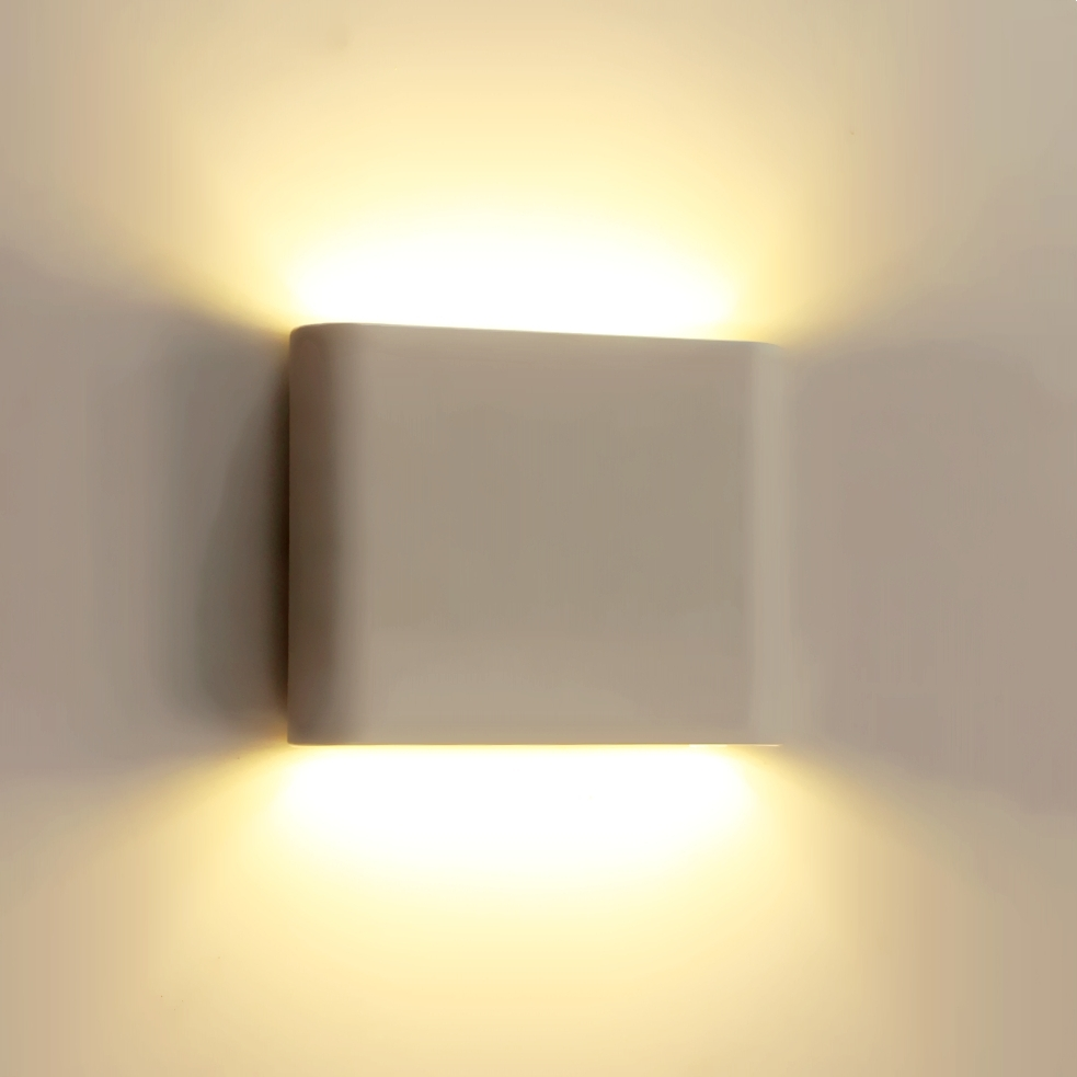 Most Current Ip65 Outdoor Wall Lights Intended For 4w Aluminum Outdoor Wall Lamp Waterproof Ip65 90~260v 12*9*3cm Up (View 4 of 20)