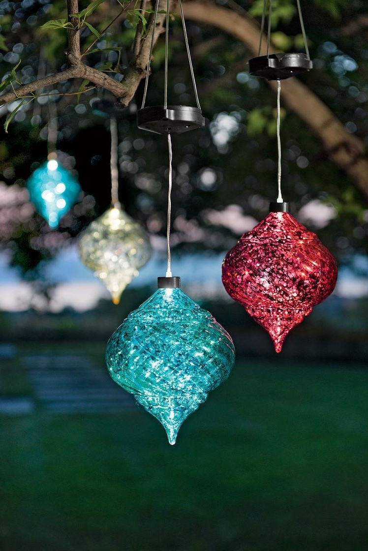 2018 latest outdoor hanging ornament lights