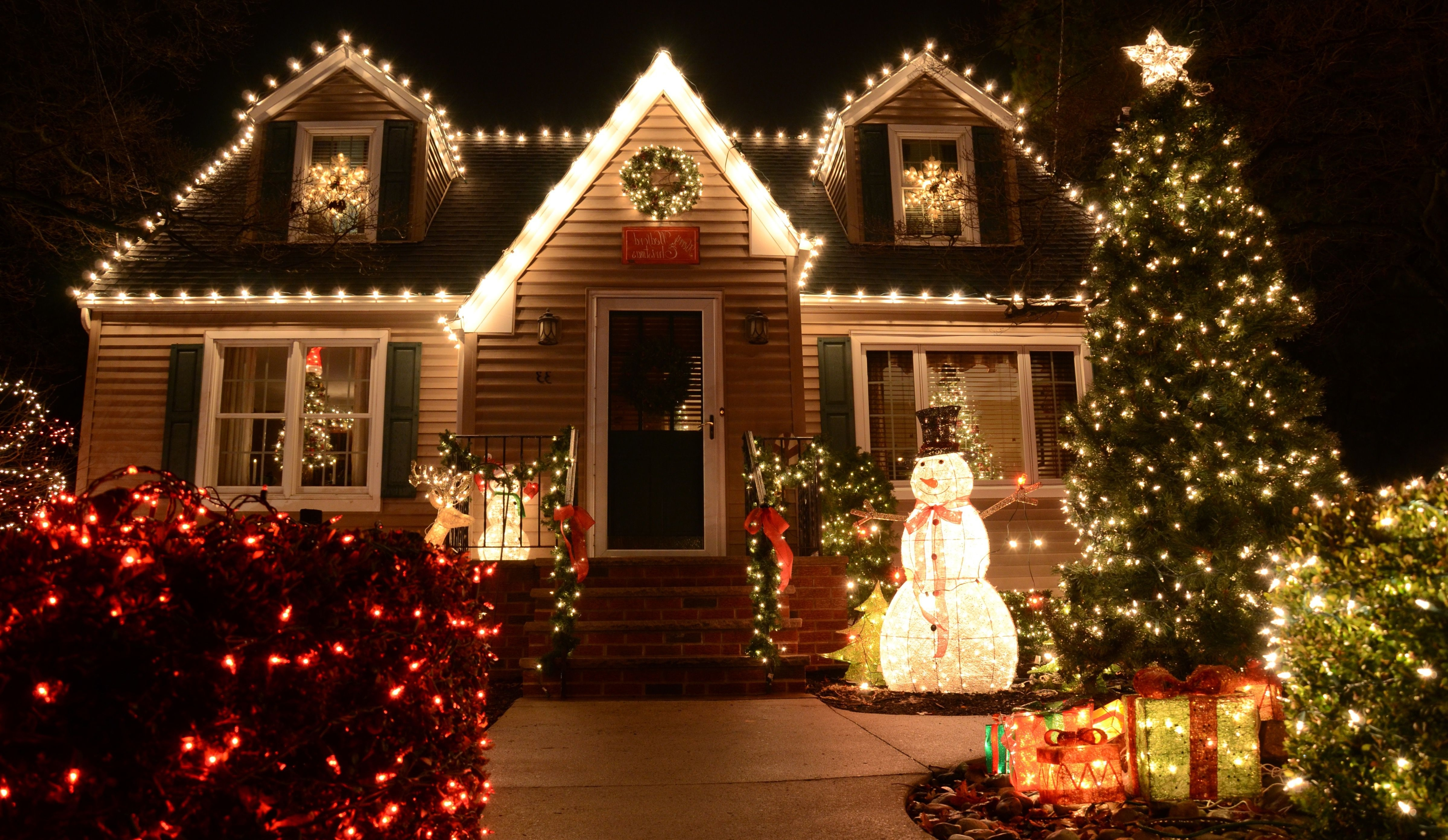 Most Recently Released 20 Outdoor Christmas Light Decoration Ideas – Outside Christmas With Regard To Outdoor And Garden String Lights At Wayfair (View 7 of 20)