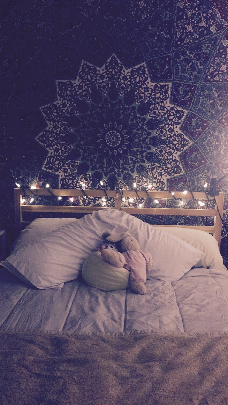 Most Recently Released Hanging Outdoor Christmas Lights Without Nails With Regard To 45 Ideas To Hang Christmas Lights In A Bedroom – Shelterness (View 15 of 20)