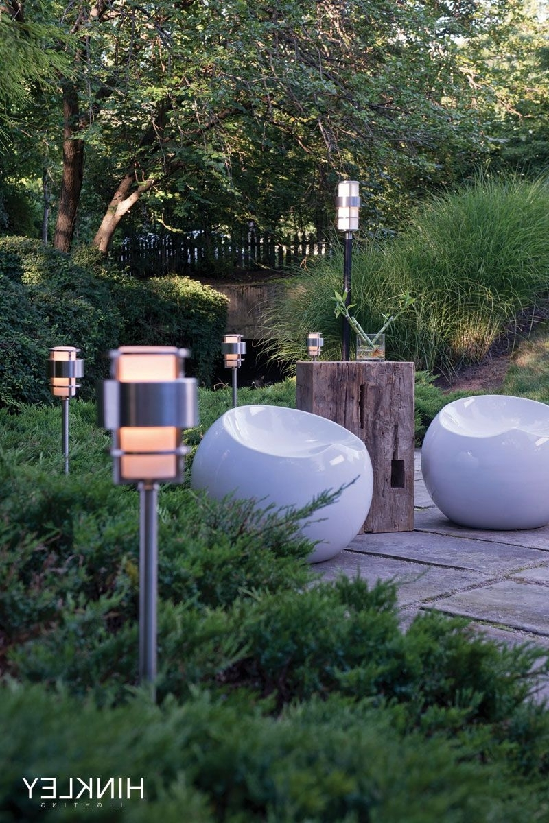 Featured Photo of Modern Garden Landscape Hinkley Lighting