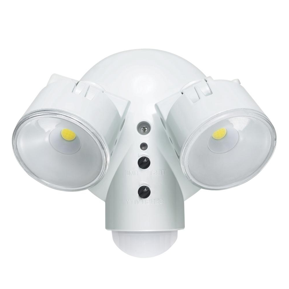 Outdoor Ceiling Security Lights Intended For Most Popular Globe Electric 29w Weather Resistant Dusk To Dawn Adjustable Motion (View 12 of 20)