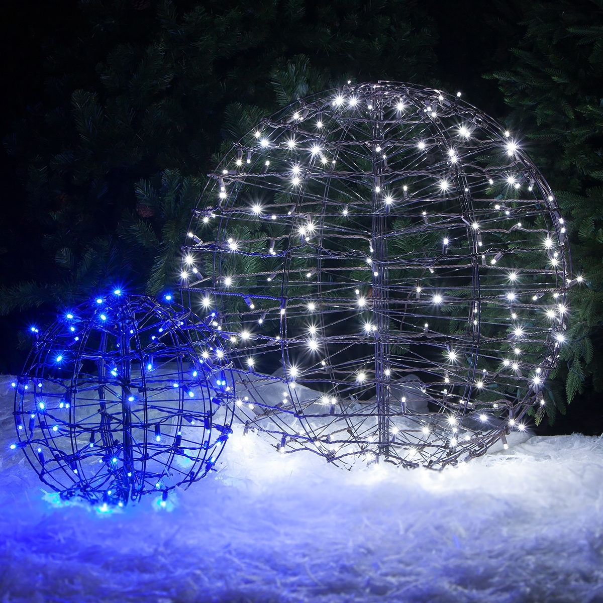 Outdoor Christmas Decorating Ideas – Yard Envy – Hanging Christmas Pertaining To Widely Used Outdoor Hanging Christmas Light Balls (View 17 of 20)
