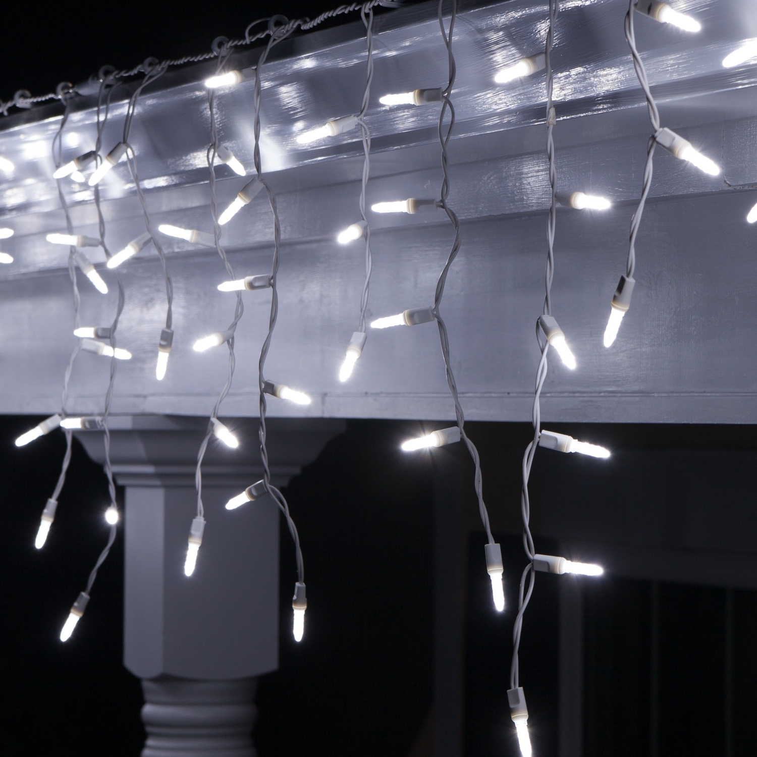Outdoor Hanging Icicle Lights In Latest Led Christmas Lights – 70 Led Icicle Lights, Cool White M5 Bulbs (View 14 of 20)