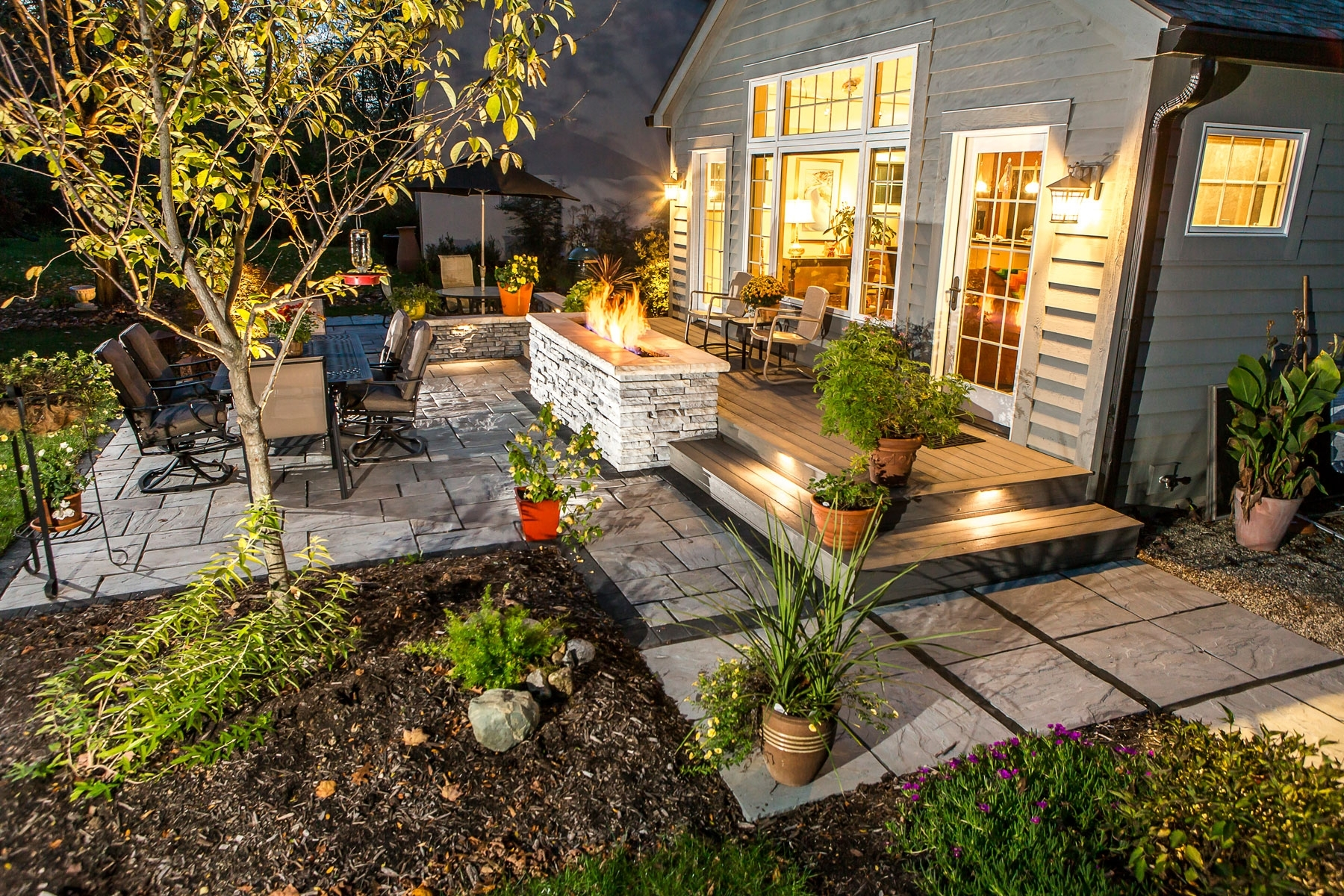 Outdoor Landscape Lighting For Patios, Walkways, And Retaining Walls Intended For Most Current Outdoor Retaining Wall Lighting (View 18 of 20)