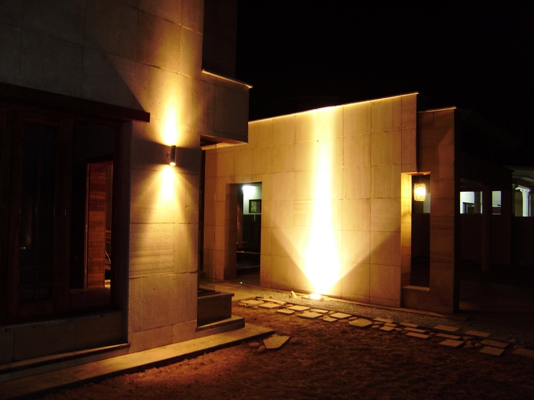 Outdoor Lighting: Awesome Commercial Outdoor Light Fixtures With Regard To Most Recent Commercial Outdoor Wall Lighting Fixtures (View 8 of 20)