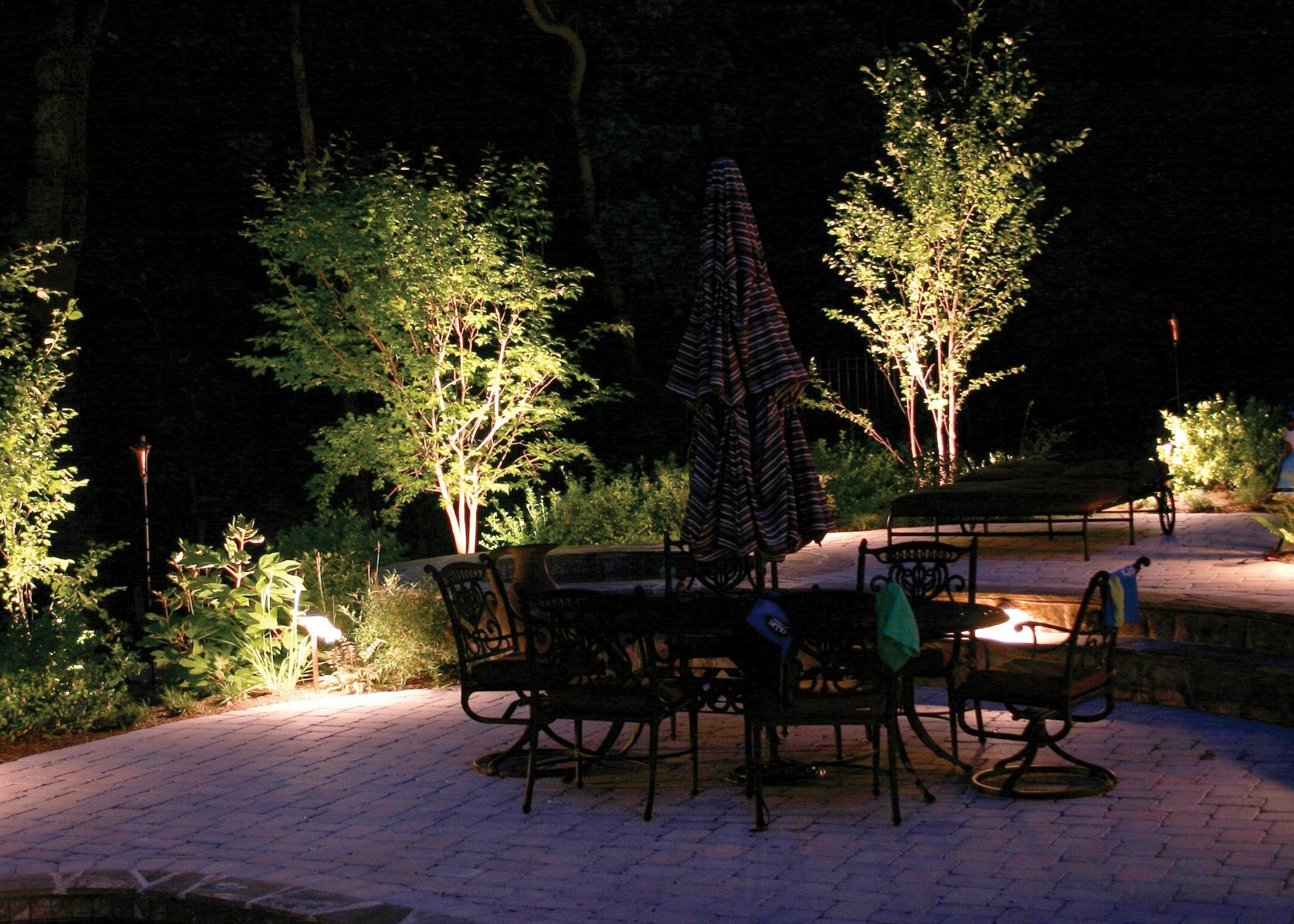 Outdoor Lighting – Patera Landscaping – Omaha Nebraska For 2019 Modern Garden Landscape Lighting (View 13 of 20)