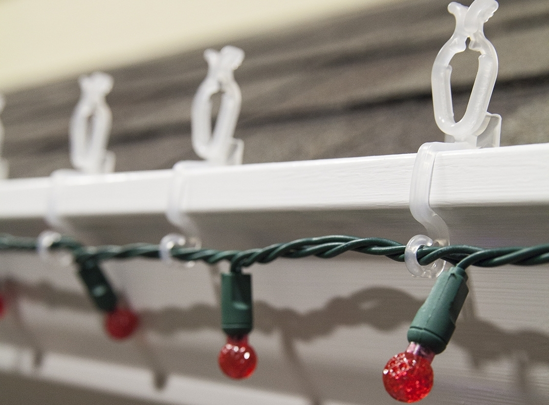 Outdoor Lights Hanging Clips With Regard To Well Known Clips For Hanging Outdoor Lights • Outdoor Lighting (View 15 of 20)