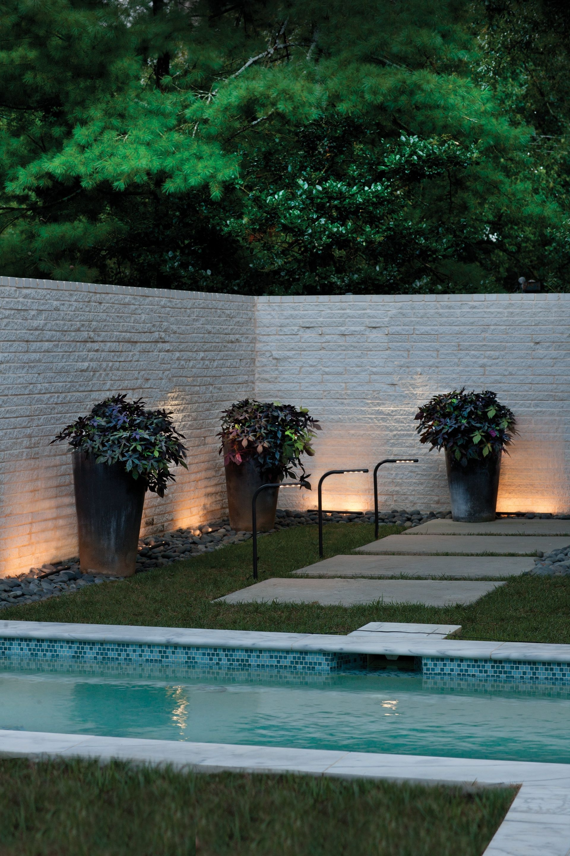 Outdoor Pertaining To Most Current Modern Garden Landscape Hinkley Lighting (View 7 of 20)