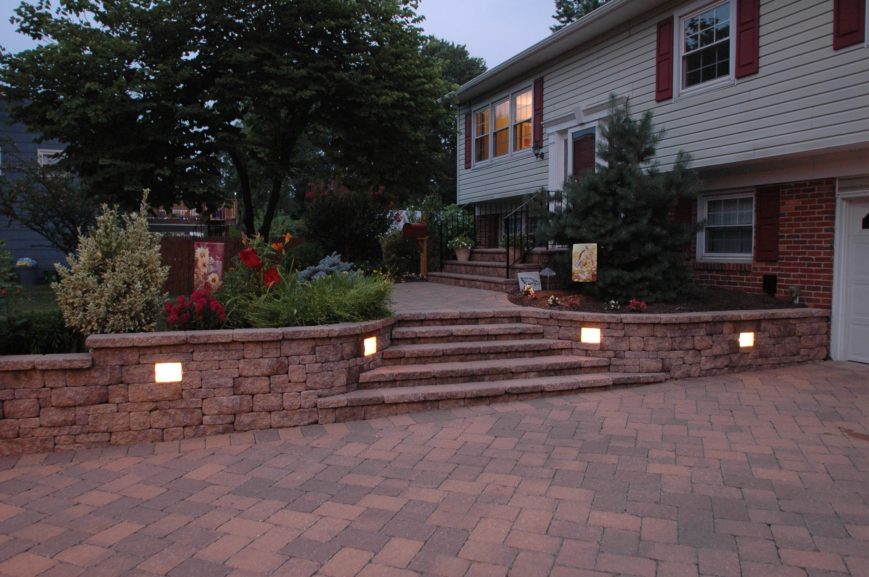 Outdoor Retaining Wall Lighting Within Most Recent Kerr Lighting (View 8 of 20)