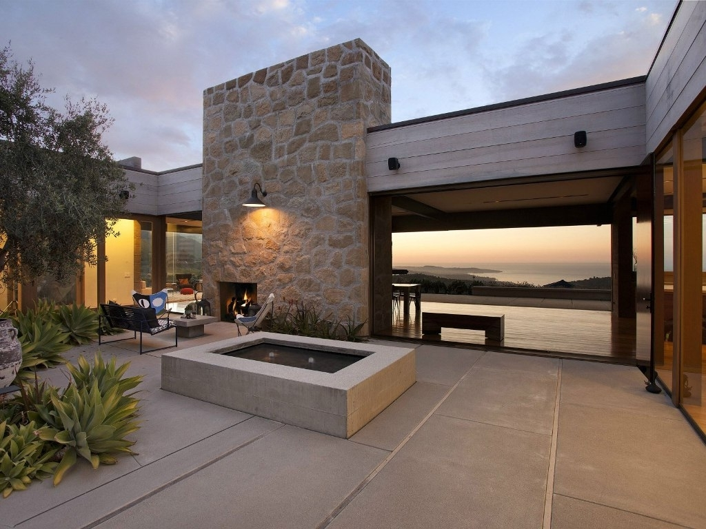 Outdoor Stone Wall Lighting With Regard To Trendy Stone Wall For Contemporary Home Design With Modern Wall Mounted (View 12 of 20)