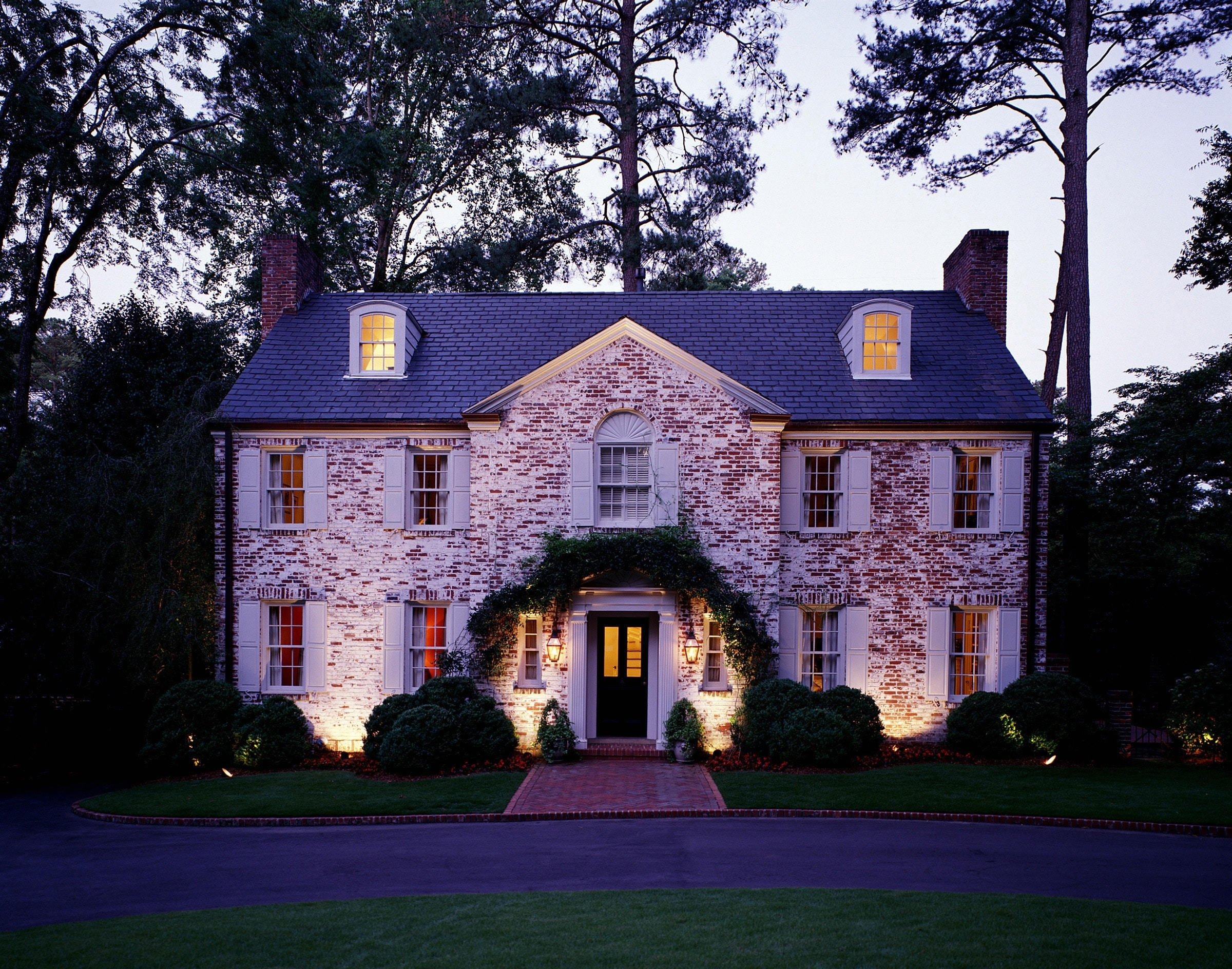 Popular Top Landscape Lighting Wall Wash Ideas (View 15 of 20)