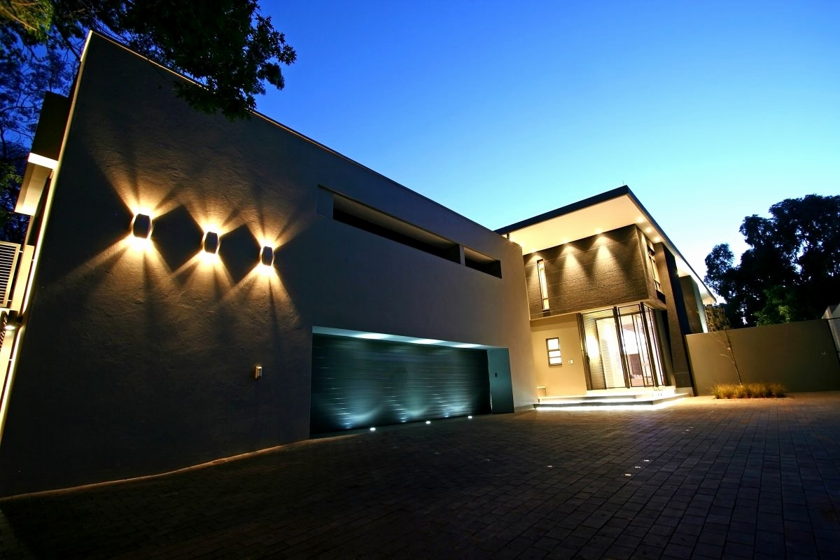 Preferred 20 Luxury Contemporary Outdoor Wall Lighting Fixtures (View 13 of 20)