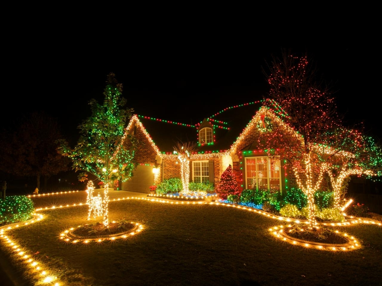 Preferred Outdoor Hanging Fairy Lights Intended For Christmas Lights Decoration Ideas – Inspirationseek (View 13 of 20)