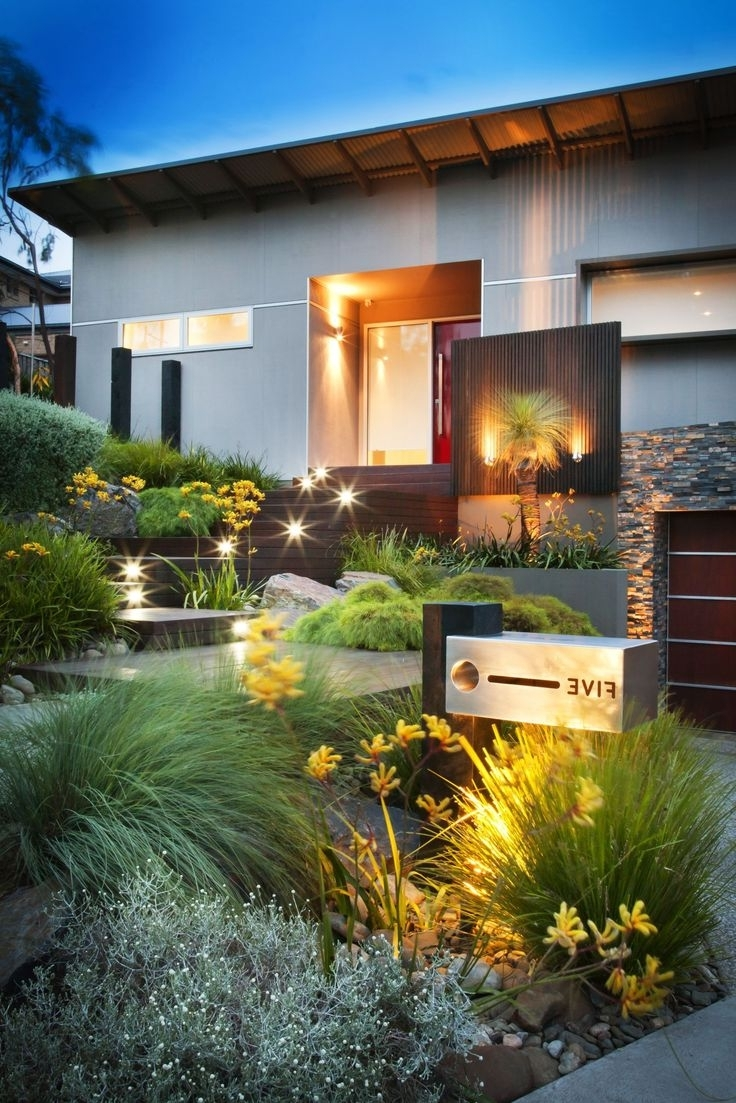 Rustic Outdoor Lighting For Modern Garden For Recent Outdoor & Garden: Modern Front Yard Landscaping Designs And Ideas (View 10 of 20)