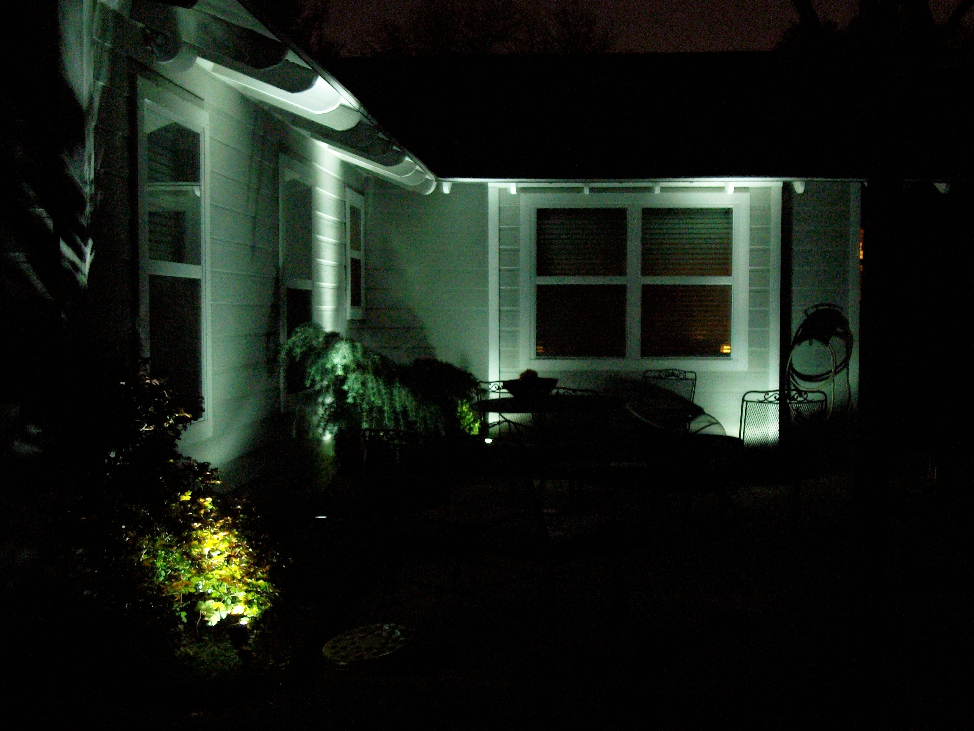 Trendy Diy : Landscape Lighting Homeownerbobs Blog Battery Powered Outdoor With Regard To Battery Operated Outdoor Lighting (View 17 of 20)