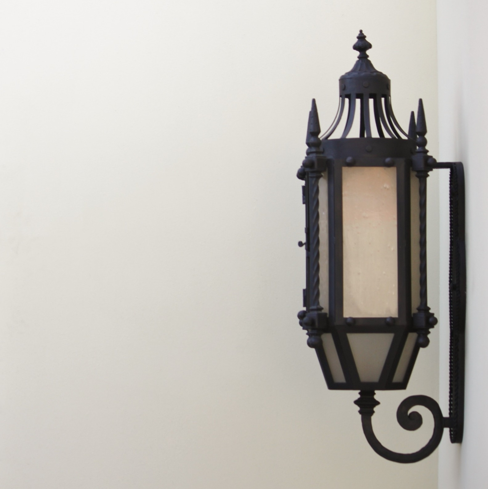 Trendy Lights Of Tuscany 7048 3 Wrought Iron Gothic/ Medieval Style Wall With Gothic Outdoor Wall Lighting (View 6 of 20)