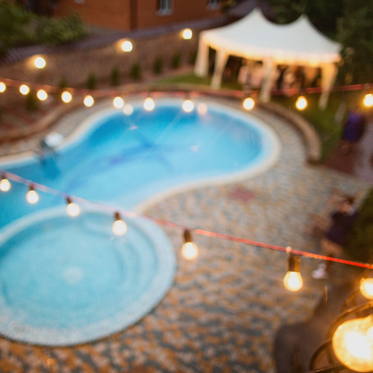 Trendy Outdoor Hanging Pool Lights Regarding 15 Outdoor String Lights That Will Make You Want To Live Outside (View 18 of 20)