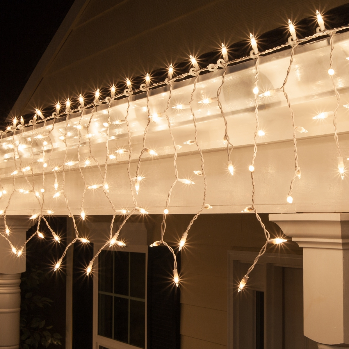 Featured Photo of Outdoor Hanging Icicle Lights