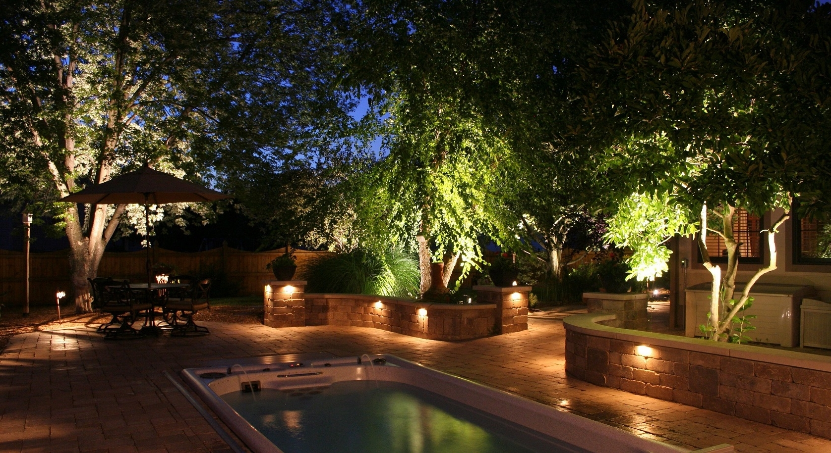 Featured Photo of Modern Garden Landscape Lighting