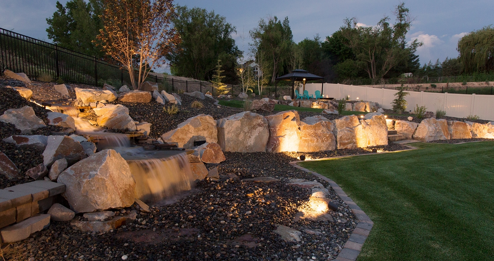 Well Known Outdoor Rock Wall Lighting Regarding Outdoor Lighting – Perfect Earth Landscaping (View 5 of 20)