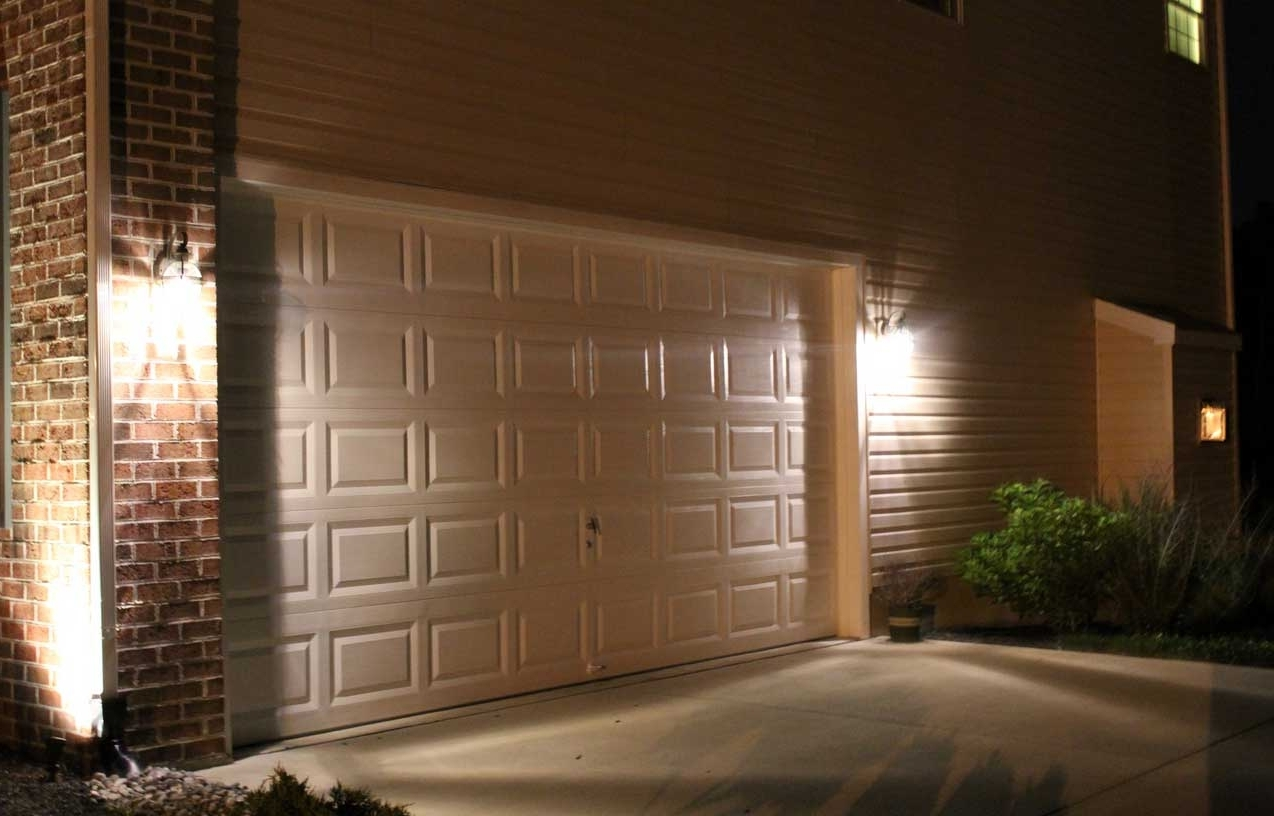 Featured Photo of Outdoor Wall Garage Lights