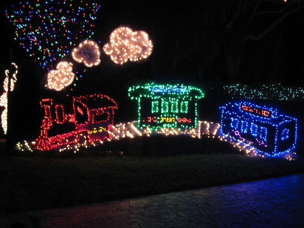 Well Liked Top 10 Biggest Outdoor Christmas Lights House Decorations – Digsdigs Pertaining To Outdoor Wall Xmas Lights (View 8 of 20)