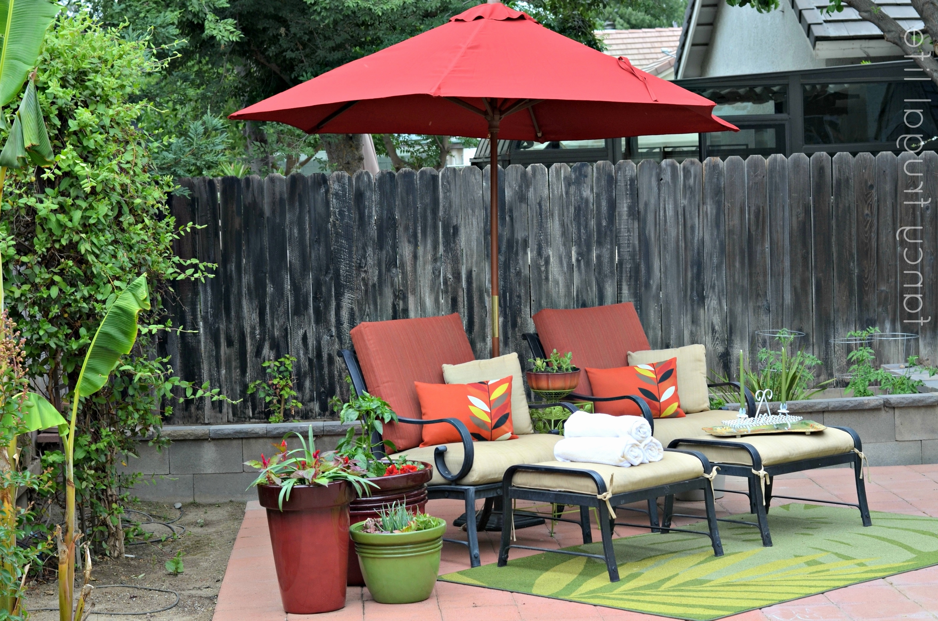 11 Cantilever Patio Umbrella With Base Costco (View 1 of 20)